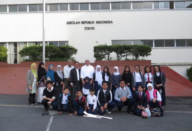 Kemdikbud Buka Lowongan 40 Guru/Tenaga Kependidikan Untuk Sekolah Indonesia di Luar Negeri