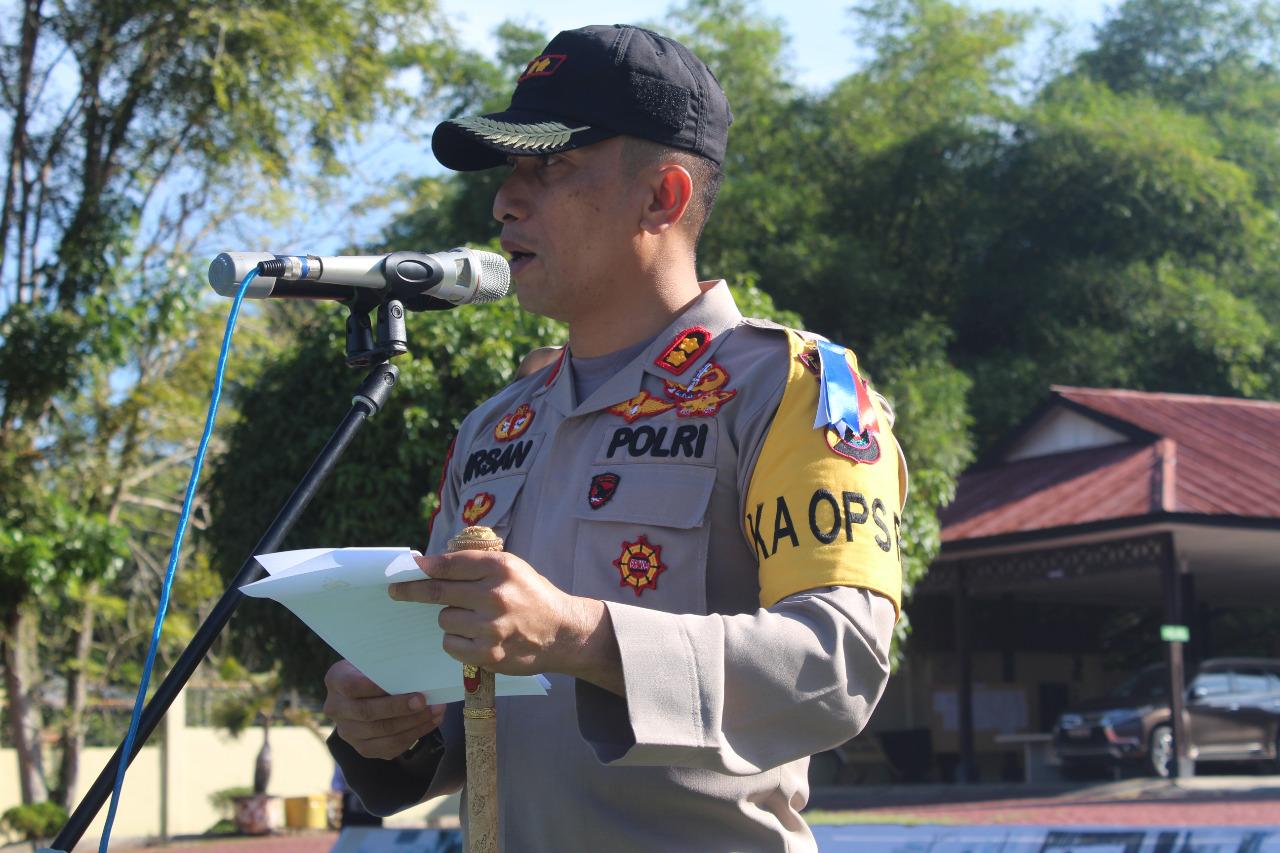 AKBP Irsan Sinuhaji, S.IK., M.H  Memimpin Apel Gelar Pasukan Operasi Keselamatan Toba 2019