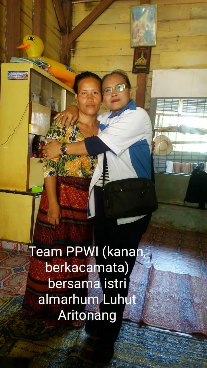 Ketua KPPS Luhut Aritonang Wafat, PPWI Sambangi Keluarga Almarhum