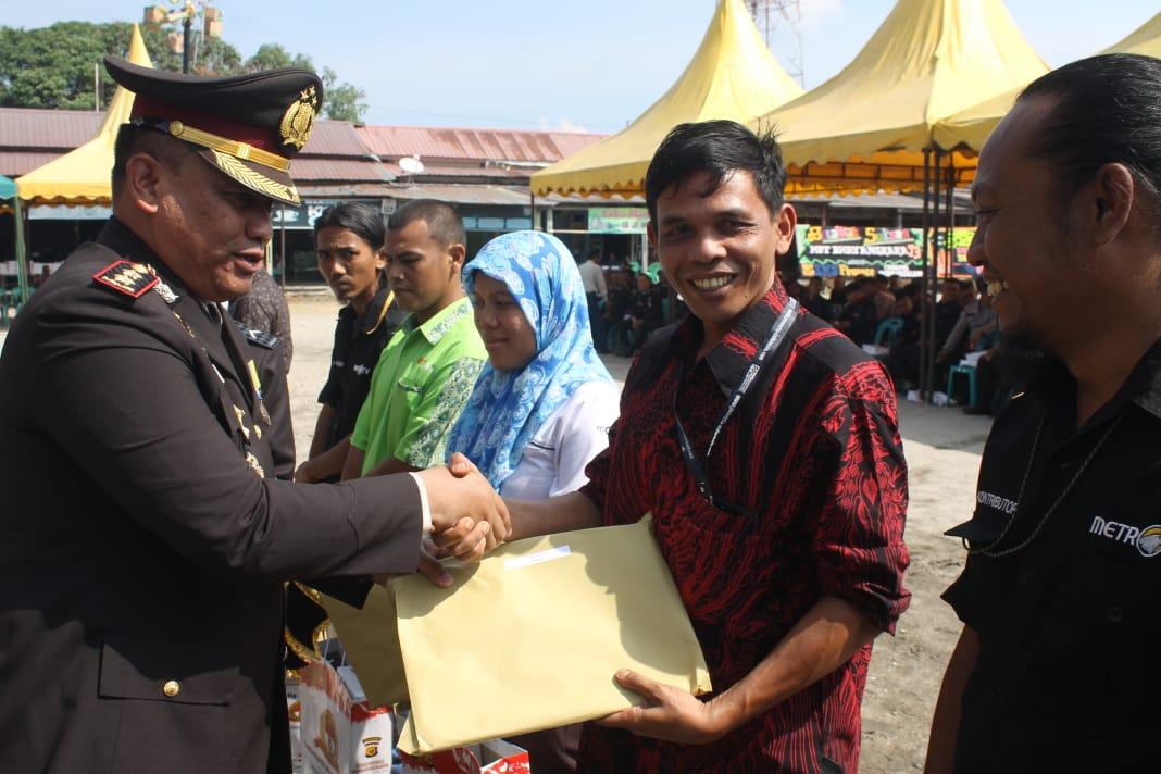 Peringati HUT Ke-73 Polri, Kapolres Aceh Singkil Beri Penghargaan kepada Wartawan Singkilterkini.com