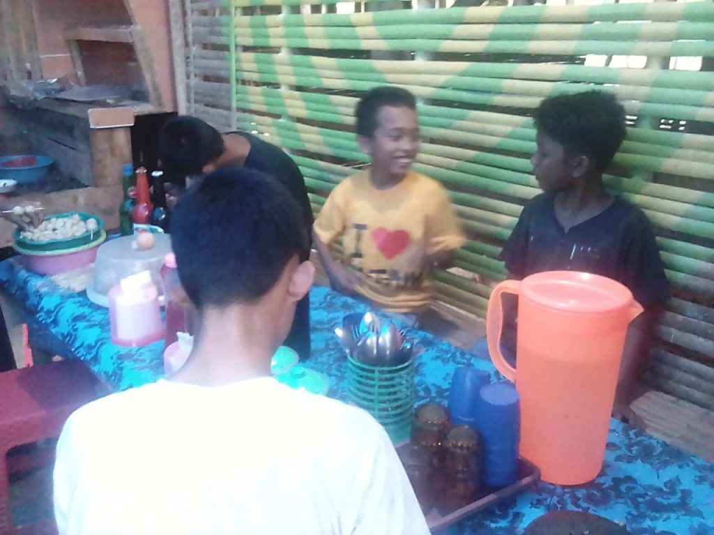 Berwisata Ke Pulau Selayar Desa Lalang Bata Mampir Cicipi Sate Ala Danau Lolang