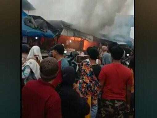 Kebakaran Dipasar Ciputat Diakibatkan Pemasangan Selang Regulator Yang Kendor