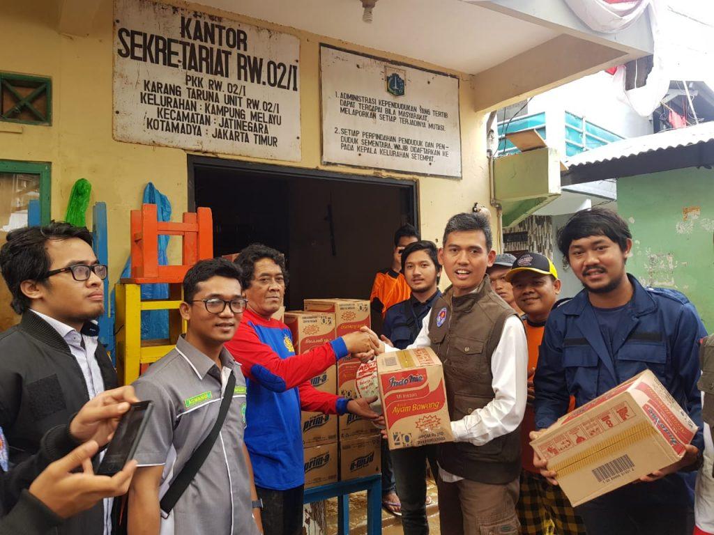 Kemenpora Konsolidasikan Relawan Pemuda Bantu Korban Banjir