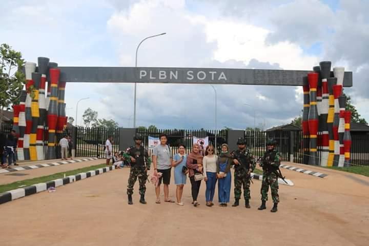 Wisatawan Melonjak, Satgas Yonif MR 411/PDW Kostrad Tingkatkan Penjagaan Di Titik Nol KM Merauke