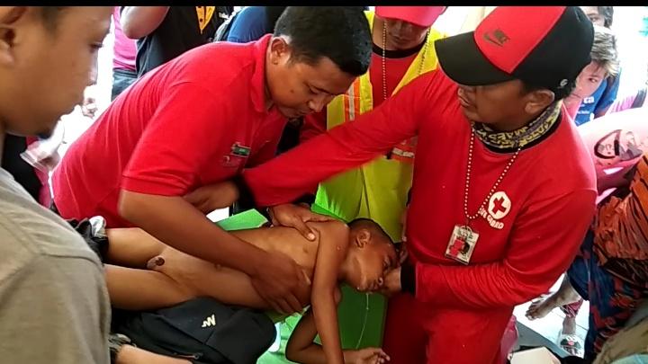 Bocah Umur 6 Tahun  Tenggelam Berhasil Di Selamatkan