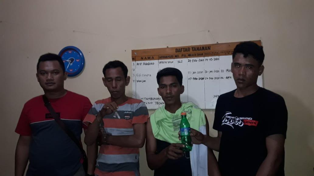 Rumah Bandar Sabu Digerebek, Bandar Dan Pelanggannya Digulung Polisi