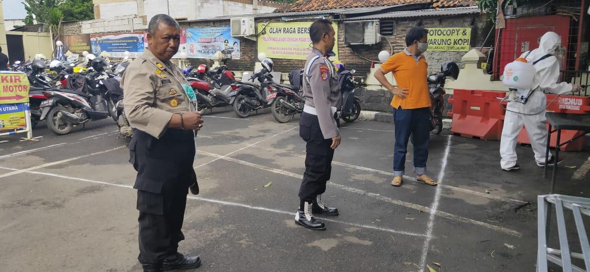 Polsek Neglasari Dan Polres Tangerang Melakukan Seterilisasi Ruang Tahanan