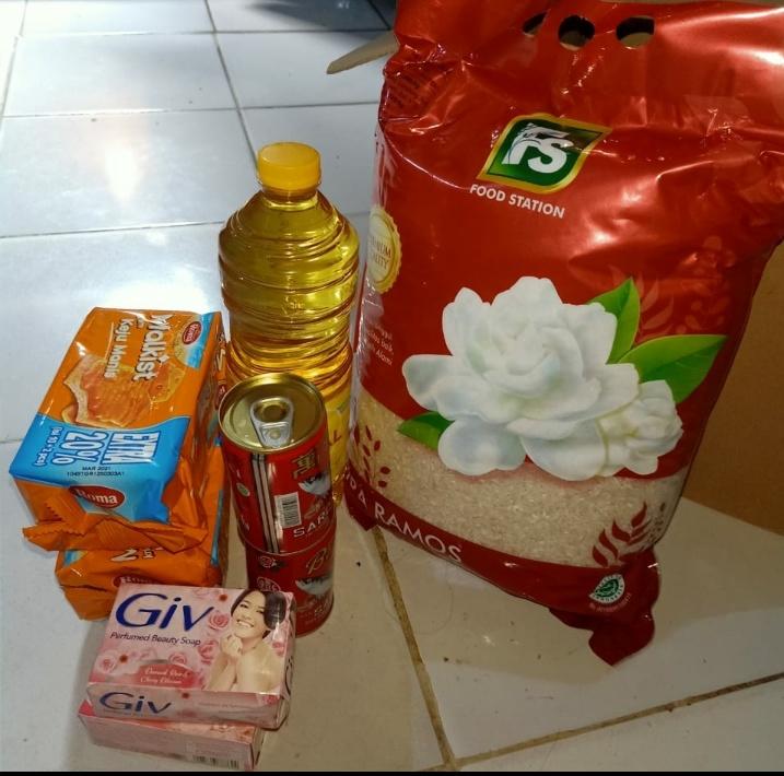 Tidak Sesuai, Paket Kebutuhan Pokok BANSOS DKI Jakarta Menuai protes Warga