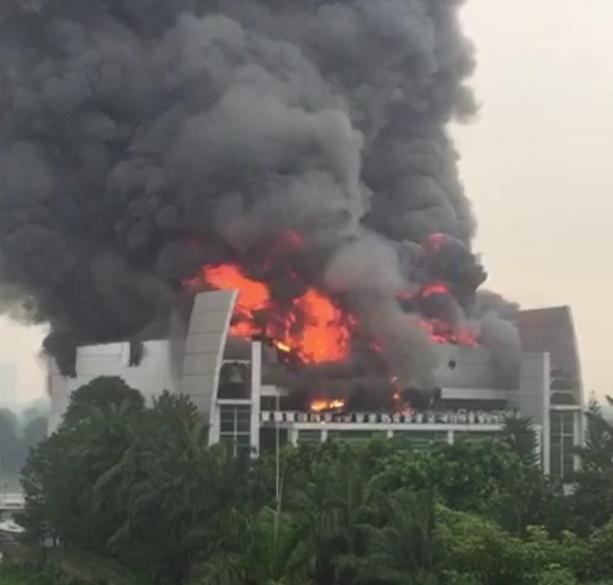 Gereja Cathedral Gading Serpong Kebakaran