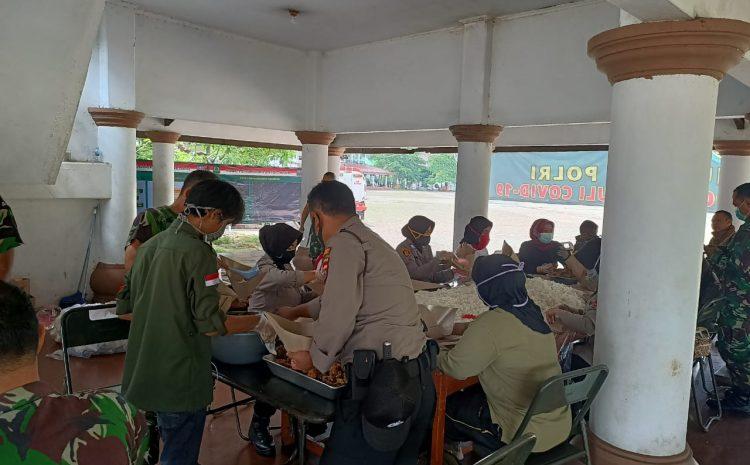 Dapur Umum Polda Banten Bersama Korem 064/MY, Bagikan 1000 Paket Nasi Bungkus Jelang Buka Puasa