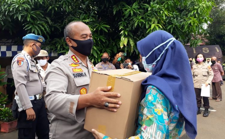 Polres Tangerang Kota Melaksanakan Giat Bhakti Sosial Serentak Dalam Rangka Polri Peduli Covid 19