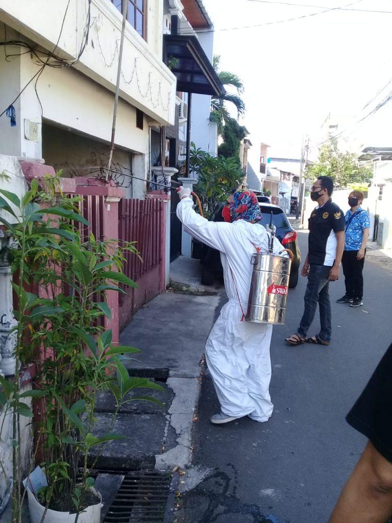 GIJ Dan GPRB Sangat Perduli Terhadap Masyarakat Di DKI Lakukan penyemprotan Disenfektan
