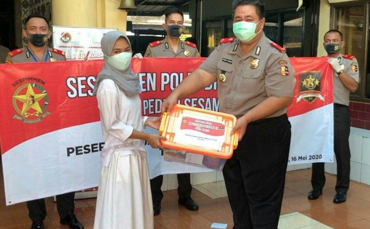 Kompol Indra Ranudikarta Kapolsek Kebayoran Lama Bersama Serdik Sespimmen 60 Bhakti Sosial Peduli Covid 19