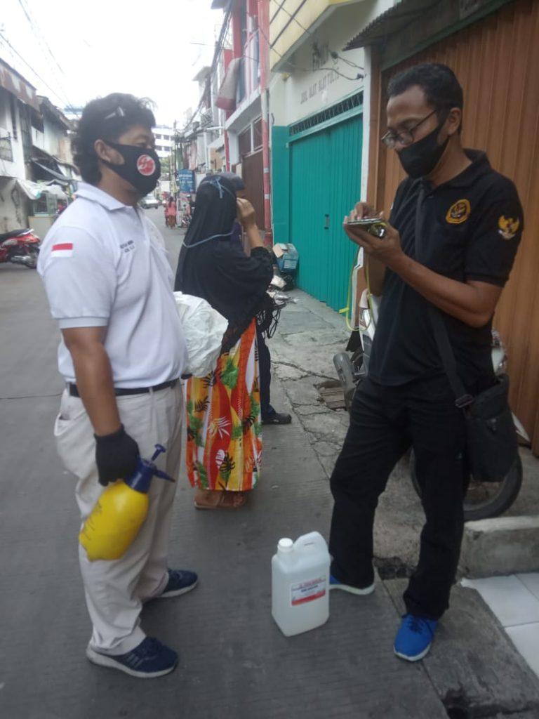 Aksi GIJ Bersama GRPB Melaksanakan Penyemprotan Disinfektan Di Wilayah Zona Merah