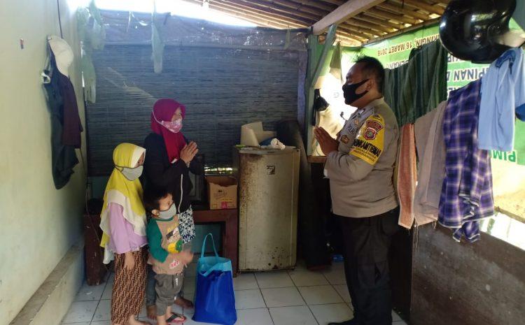 Ketua Bhayangkari Beserta Pengurus Ranting Polsek Pagedengan Peduli Kepada Masyarakat Dampak Covid 19