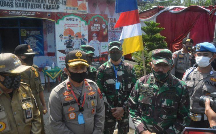 Danrem 071/Wijayakusuma Dampingi Pangdam IV/Diponegoro Dan Kapolda Jateng Tinjau Dapur Lapangan Di Cilacap