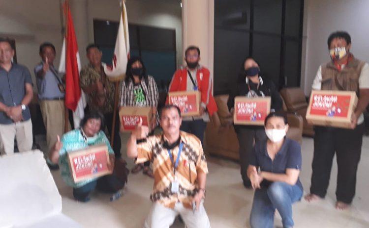 Bara JP Bagikan Sembako Kepada Jurnalis Dan Masyarakat Yang Kena Dampak Corona