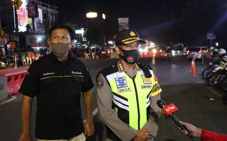 Pastikan Situasi Malam Takbiran Aman Dan Kondusif, Kasatgas Banops Tinjau Alun-Alun Kota Serang