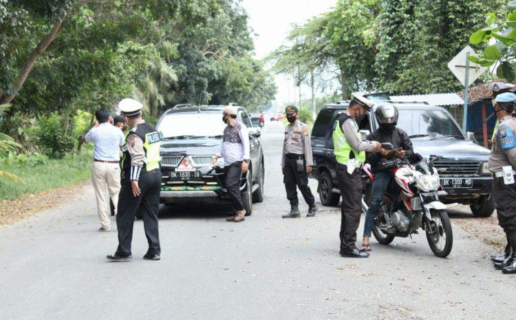 Cegah Penyebaran Covid-19 Di Objek Wisata, Polres Sergai Lakukan Penyekatan Kendaraan