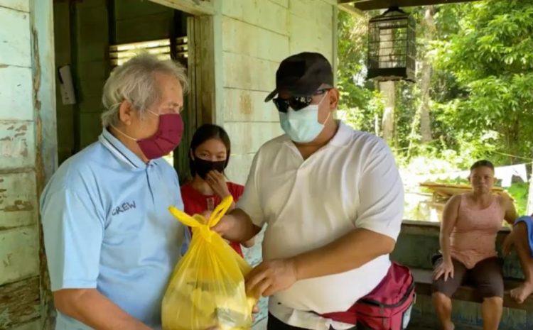 Drs.Indro Wiyono. Msi Mewakili Alumni AKABRI 1989 Membagikan Sembako 400 Paket Kepada Warga Yang Terkena Dampak Covid-19