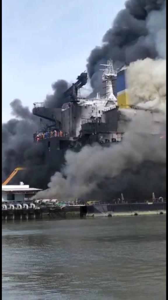 Akibat Konsleting Listrik 13 Kapal Terbakar
