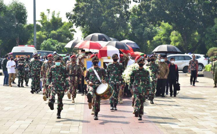 Kasad Pimpin Upacara Pemakaman Jenderal TNI (Purn) Pramono Edhie Wibowo