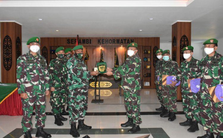 Pangdam Lepas Perwira Staf Ahli Kodam XVIII/Kasuari Pindah Satuan