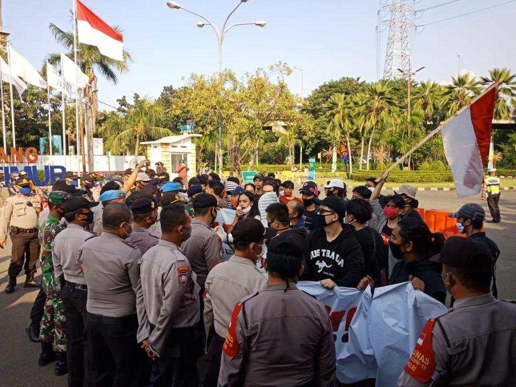 Tolak Reklamasi, Gerakan Pemuda Dan Mahasiswa DKI Jakarta Unjuk Rasa Ke Balaikota Dan Ancol