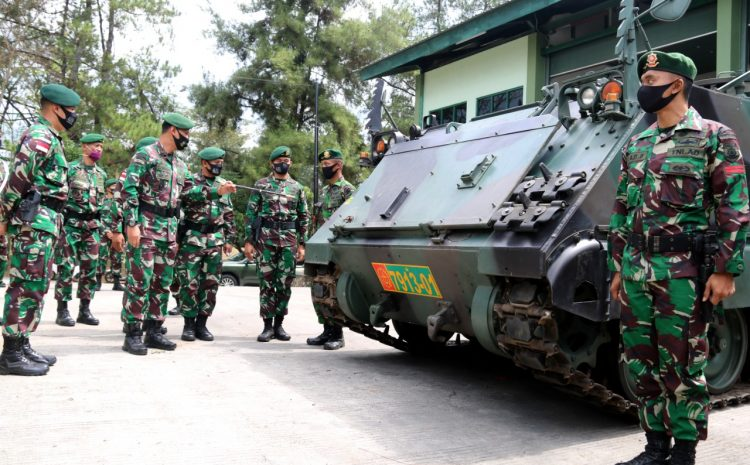 Pangdivif 2 Kostrad Periksa Kesiapan Alutsista Yonif Mekanis Raider 411/Divif 2 Kostrad