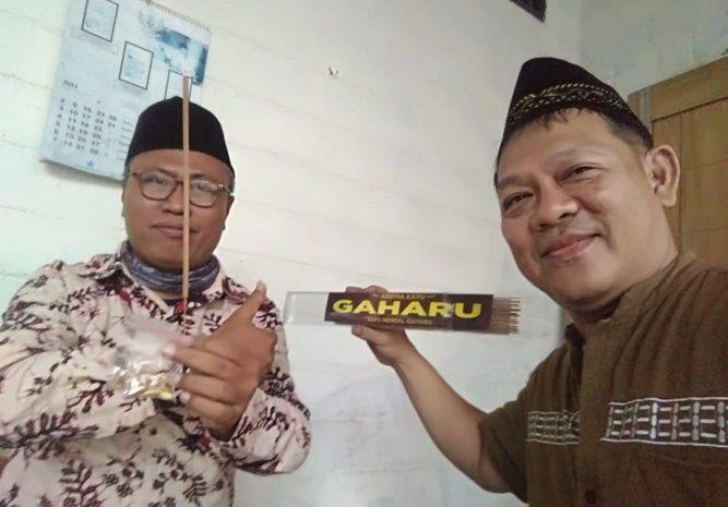 Sanjang Kadhang Blitar' Dialog Marhaening Soekarno Dalam Esensi Marhaening Dupa & Kulit Buah Gaharuh
