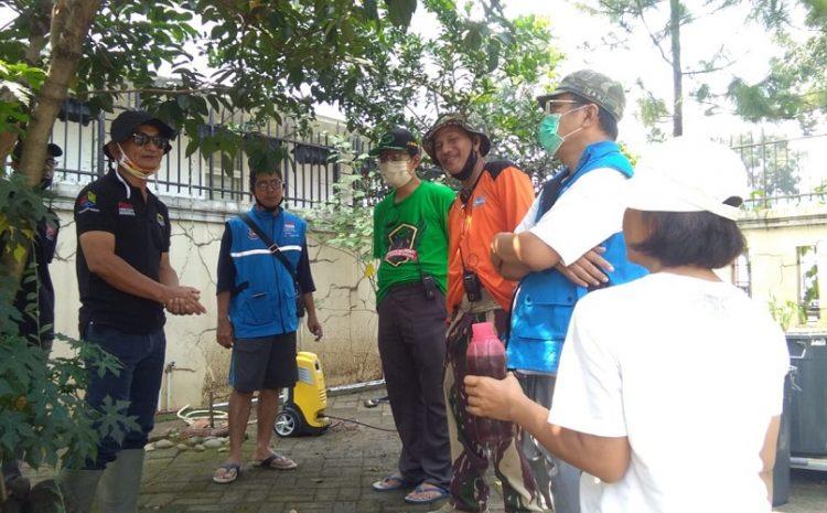 """RAPI"" Bersama Warga RW. 10 Lakukan Penyemprotan Disfektan B. 8 Bio Teknologi Indonesia Di Komplek Puspita Loka 'BSD'"