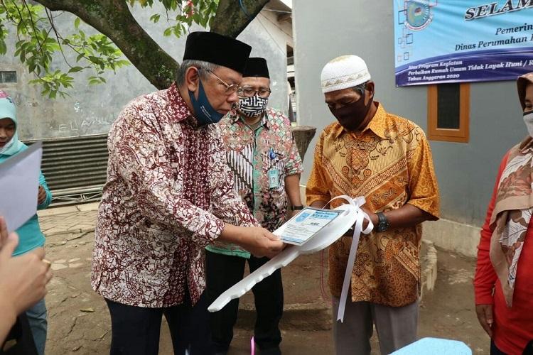 Wakil Walikota Tangsel Resmikan Rumah Layak Huni