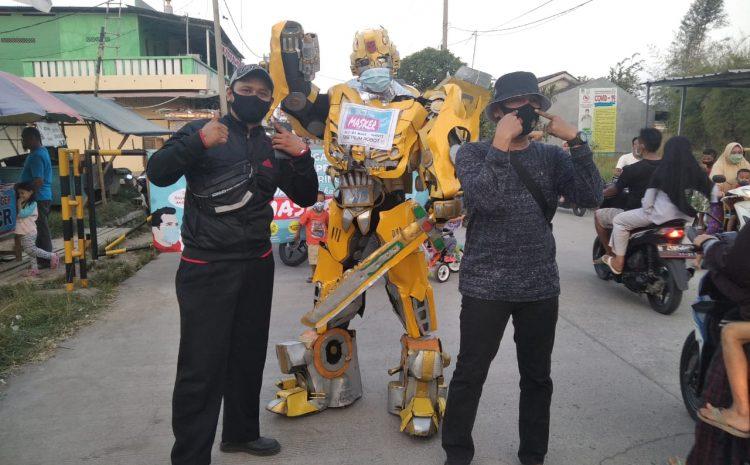 Ketua RW Taman Permata Indah lakukan Patroli Masker Di Pintu Gerbang Masuk Perumahan