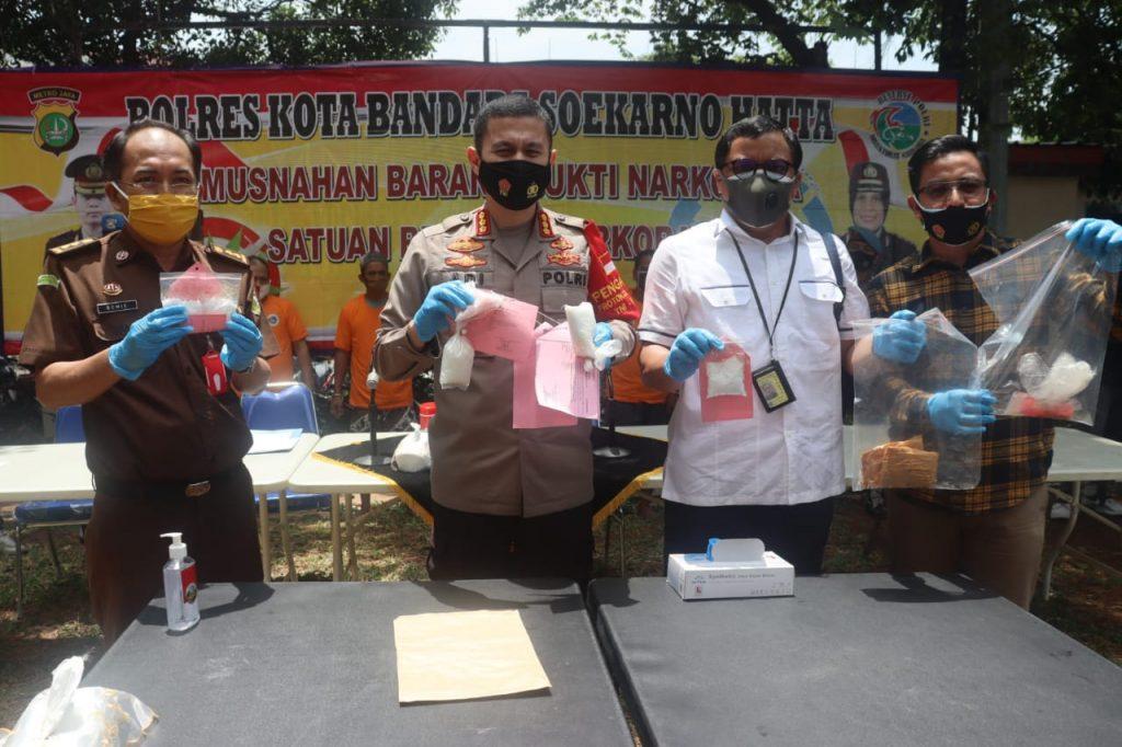 Polresta Bandara Soekarno-Hatta Musnahkan Narkoba Sebanyak 893,7 Gram Sabu-Sabu