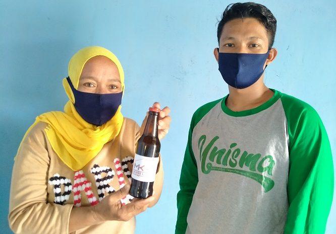 KKN-PPM Unisma Kembangkan Usaha Minyak Kayu Putih Warga Desa
