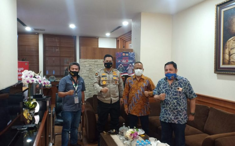 PWI Sambangi Kadiv Humas, Polri Bakal Siapkan Rompi Wartawan Untuk Liput Demo