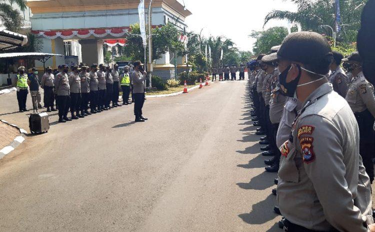 Polres Serang Kota Gelar Apel Pengamanan Aksi Unjuk Rasa PBM Di Kantor DPRD Provinsi Banten