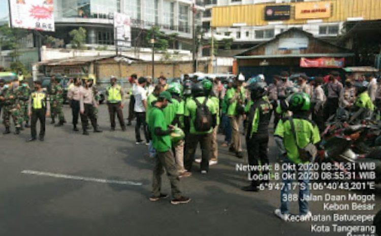 Demo Buruh Rusuh Di Depan Kawasan Pergudangan GBN Batu Ceper