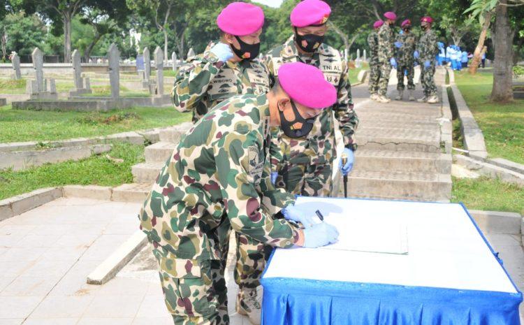 Komandan Pangkalan Marinir Jakarta Pimpin Ziarah Ke TMPB Ciledug