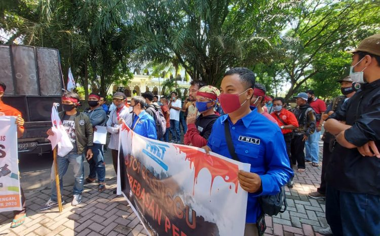 """""""Wartawan Demo"""" Tidak Di Ijinkan Meliput Debat Calon Bupati Dan Wakil Bupati"""