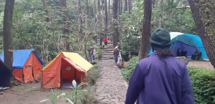 Pengurus FWJ Observasi Kawasan Wisata Curug Cilember