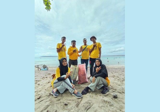 'Trash Hero Bau-bau' Peduli Lingkungan giat Pembersihan Pantai Nirwana