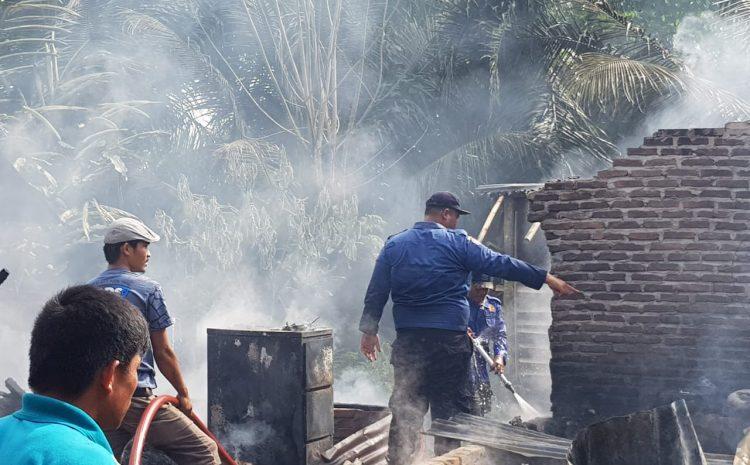 Kapolsek Namorambe: Diduga Korsleting Listrik Tiga Rumah Semi Permanen Terbakar