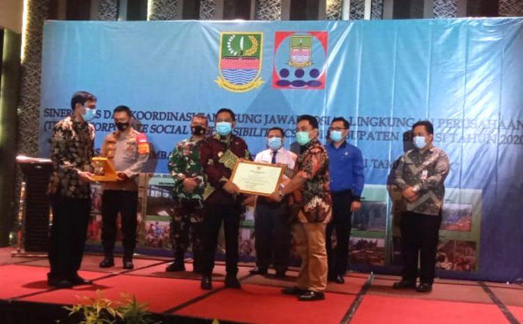 Pemerintah Kabupaten Bekasi Memberikan Penghargaan Sejumlah Perusahaan Ternama Dan Wartawan