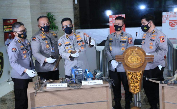 Polri Ungkap Bungker Persembunyian Teroris Upik Lawanga