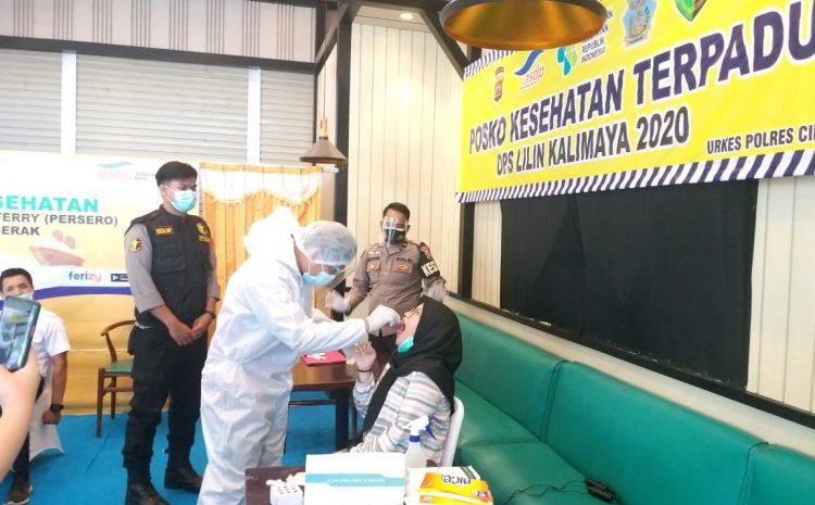 Biddokkes Polda Banten Lakukan Pemeriksaan Rapid Test Antigen Kepada Masyarakat Di Pelabuhan Merak
