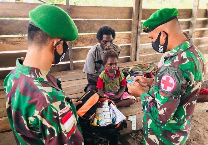 Peduli Kesehatan Warga Perbatasan, Satgas Yonif 125/Simbisa Gelar Pelayanan Kesehatan Keliling