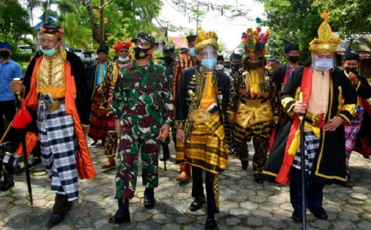 Pangdam XIV/Hasanuddin Dianugerahi Gelar Bangsawan Buton