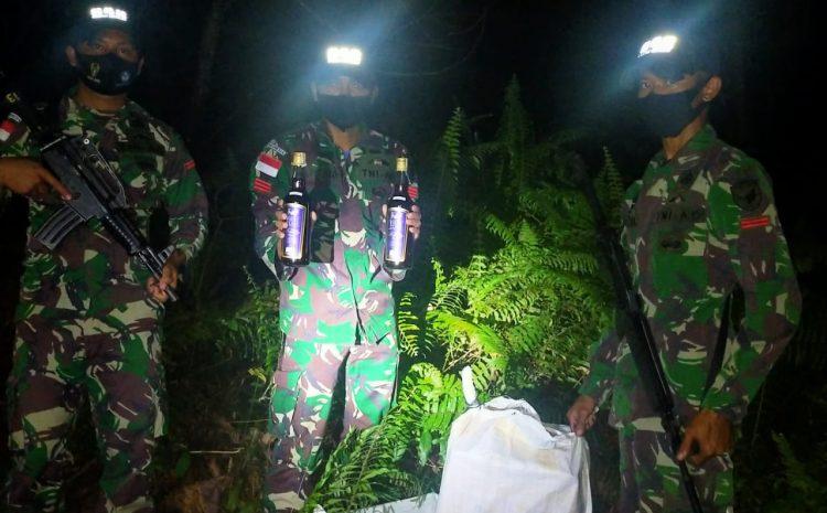 Jelang Malam Pergantian Tahun, Satgas Pamtas Yonif 642 Kembali Gagalkan Penyelundupan Puluhan BotolMiras