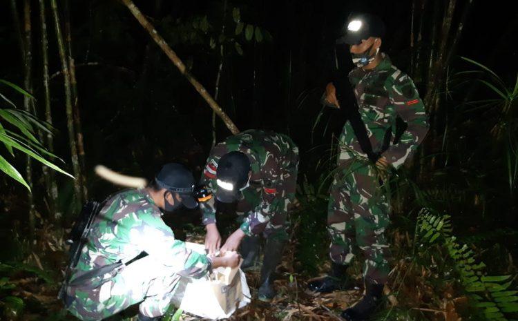 Satgas Pamtas RI-Malaysia Yonif 642 Gagalkan Penyelundupan Ratusan Botol Miras